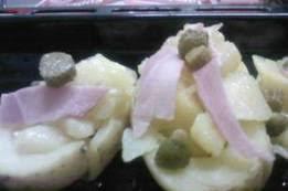 pommes de terre en robe de chambre au four carpe grillée et pommes de terre en robe de chambre