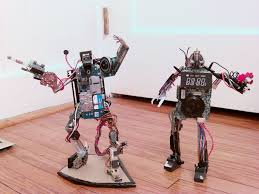 robot men from outdated electronics reuse in a cool way