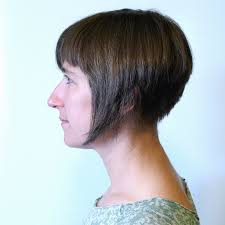 file inverted bob haircut jpg wikimedia commons