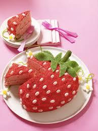 Cake Icing Design Ideas Top 25 Best Strawberry Birthday Cake Ideas On Pinterest