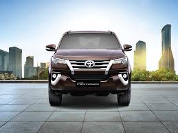 an overview of the 2017 toyota fortuner uae yallamotor