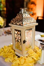 Lanterns For Wedding Centerpieces by Centrepiece Idea Instead Of A Candle In The Lanterns Put
