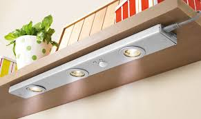 luminaire meuble cuisine spot meuble cuisine encastrable led spot triangle 3 lumires de