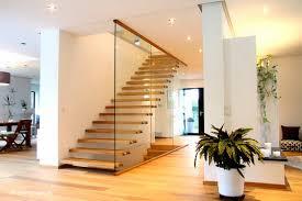 gelã nder treppen wohnzimmerz freistehende treppe with streger massivholztreppen