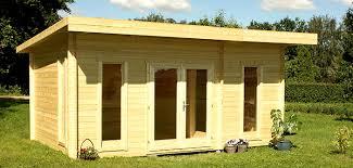 bureau de jardin pas cher bureau dans le jardin un espace de travail optimisé abri chalet