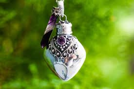 green heart necklace images Keepsake jewelry and necklaces collection jpg
