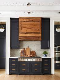 farmhouse kitchens ideas 25 best farmhouse kitchen ideas houzz