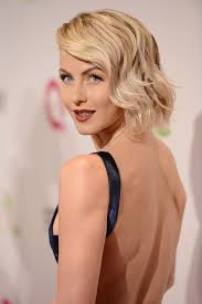 how to make your hair like julianne hough from rock of ages this picture of julianne hough may make you want to toss out your