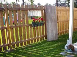 Privacy Fence Ideas For Backyard Backyard Fence Ideas To Create Privacy And Enhance The Look