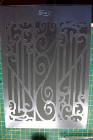 hide contours in craft room and cutting stencils