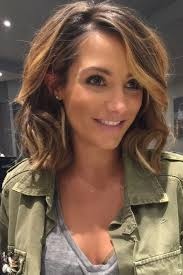 easy medium hairstyles for moms on the go mid length hairstyles are go check out our fave celebrity mid