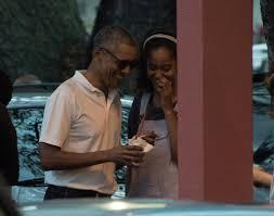 best photos of the obama family in 2016 popsugar celebrity