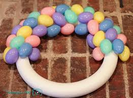 how to make easter wreaths easter egg wreath the photographer s