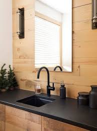 cuisine bois plan de travail noir 1001 idées cuisine noir mat et bois élégance et sobriété