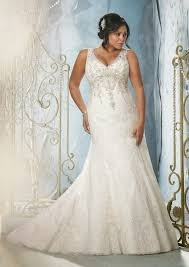 wedding dresses for curvy brides curvy how to find the wedding dress for you