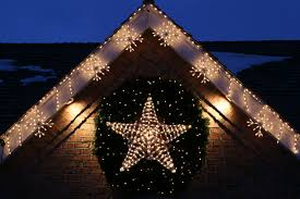 Lighted Christmas Decorations by Star Shaped Lighted Wreaths Expert Outdoor Lighting Advice