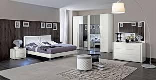 schlafzimmer modern luxus wunderschöne schlafzimmer in rot und weiß bett schlafzimmer