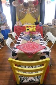 Cowboy Style Home Decor by Best 25 Western Parties Ideas On Pinterest Western Theme