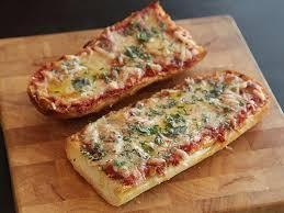 cuisiner une pizza tartine pizza cuisiner c est facile