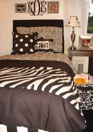 Zebra Decor For Bedroom Bedroom Brilliant Zebra Quilt And Brown Cover Bedding High