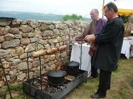 chaudron pour cuisiner cuisine médiévale compagnie franche du forez
