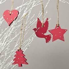 wooden christmas decorations would be very easy to make