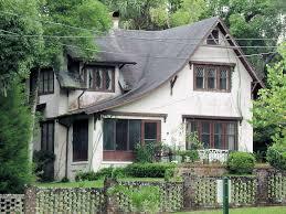 english cottage style 208 east pennsylvania avenue delan u2026 flickr