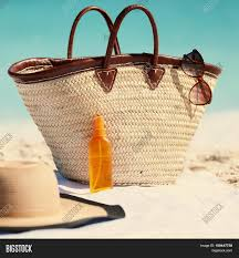 Womens Holidays by Women U0027s Beach Accessories For Summer Vacation What To Bring For