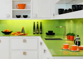 plexiglas für küche küchenrückwand in ausgelassenen farben passend für jedes zuhause
