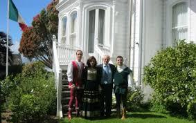 L\u0026#39;ambasciatore Alessandro Levi Sandri con alcuni membri della delegazione faentina. Si sta facendo apprezzare nella lontanissima Nuova Zelanda il gruppo di ... - b_p-8653-abstr_img-ambasciatorenz