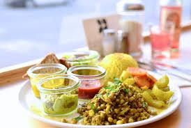cuisine ayurveda dabbawalla schöneberg s ayurvedic deli iheartberlin de