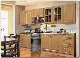 le meuble cuisine repeindre ses meubles de cuisine en bois maison design bahbe com
