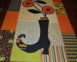 halloween table runner pattern sisters and quilters september 2012
