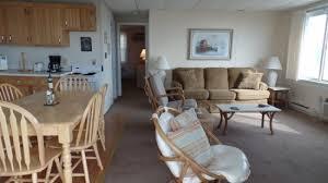 2 Bedroom Condo Ocean City Md by 2 Bedroom Deluxe Unit 300 Oceanfront Condos For Rent Ocean City Md