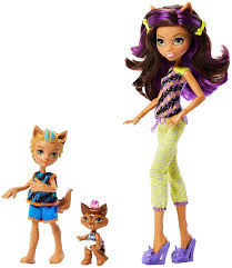 amazon monster monster family clawdeen wolf barker wolf