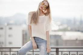 What To Wear With Light Jeans 10 Short Quotes About Happiness To Fight Away Your Blues