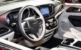 2017 chrysler pacifica the glorious return of chrysler u0027s minivan