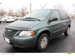 2005 magnesium pearl chrysler town u0026 country lx 61113436