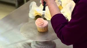 White Flower Cake Shoppe - the white flower cake shoppe how to pipe a buttercream rose on a