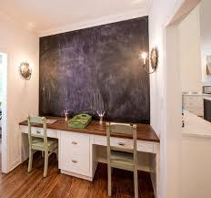 tableau pour bureau decoration tableau noir mur bureau chaies bois vert 77 idées
