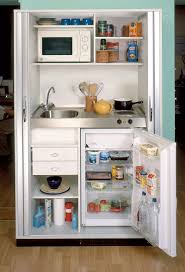 Design House Kitchen by La Kitchenette Moderne équipée Et Sur Optimisée Mini Kitchen