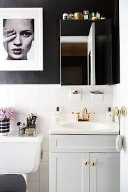 Bathroom Teen A Teen Vogue Editor U0027s Stylish Rental Bathroom Makeover Nicole