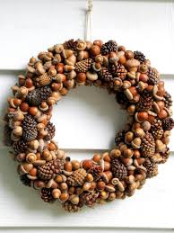 pinecone wreath acorn and pinecone wreath hgtv