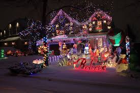 7 beautiful spots to see Christmas lights  decor in Mississauga