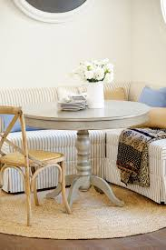 White Round Rug by How To Decorate With A Round Rug How To Decorate