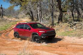 jeep crossover 2014 jeep cherokee go anywhere crossover get off the road groovecar