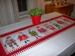 make christmas table runner table runner ideas for thanksgiving table runner ideas how to get