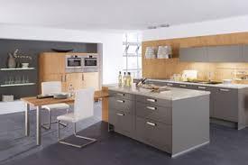 farbe küche küchenfarben klassisches weiß oder trendfarbe orange