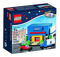 Toys R Us Toys For Lego 2015 Bricktober Exclusive Toys R Us Store 4 4