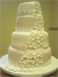 emers wedding cake blossoms cascade with lace borders i made this